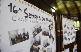 Exposição com a memória da Escola Guiseppe Garibaldi segue no Legislativo até 28 de maio