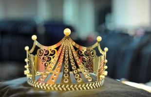 Coroa da Rainha da Festa Nacional da Uva em exposição no Iguatemi