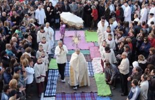 Paróquias de Caxias do Sul arrecadam cobertores para Corpus Christi