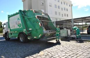 Latas de refrigerante e vidros quebrados são as principais causas de acidentes com coletores de lixo