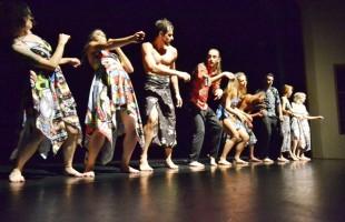 """Bailarinos trocam experiências no projeto """"Abrindo a Casa"""""""
