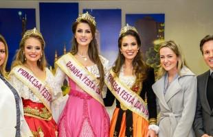 Prefeito Daniel Guerra recebe visita da Rainha e Princesas da Festa da Uva 2019