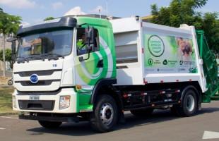 Corpus, primeira empresa do mundo a adotar frota de caminhões 100% elétricos