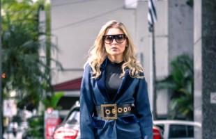 Peças que fazem um contraponto do arrumado ao básico contemplam a nova coleção de moda da blogueira Paula Corso