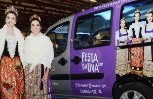 Rainha e Princesas recebem carro oficial da Festa Nacional da Uva 2019