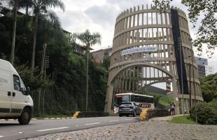 Setor do turismo faz manifestação pelo direito de trabalhar em Bento Gonçalves
