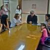 Legislativo caxiense recebe familiares da menina Nayara