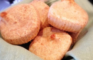 Na culinária, Pão de queijo recheado