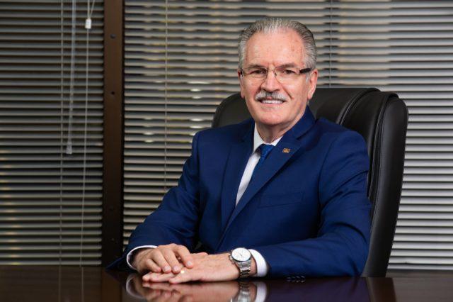 Dr. Ronaldo Mattia