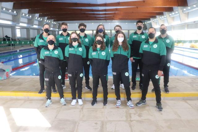 Equipes de natação juvenil e júnior do Recreio da Juventude - Crédito Anderson Civardi