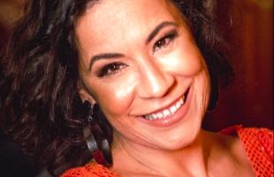 Carla Rio participa do Encontro Nacional de Mulheres na roda de samba