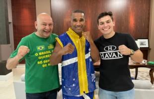Havan fecha patrocínio com boxeador Esquiva Falcão