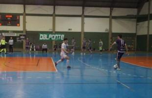 Equipe bento-gonçalvense arrancou um ponto longe de seus domínios e permanece invicto na competição estadual