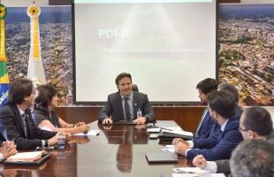 Prefeito Daniel Guerra se reúne com Corporação Andina de Fomento para detalhar planejamento de obras
