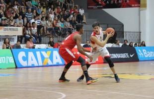 Em jogo eletrizante Caxias do Sul Basquete vence em casa adversário direto