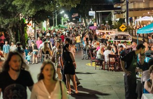 Jantar Sob as Estrelas reúne empreendimentos e atrações culturais a céu aberto em Bento Gonçalves