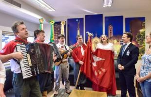 Prefeito Daniel Guerra recebe comitiva da Festa do Divino de Vila Seca