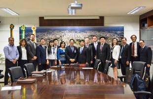 Comitiva chinesa visita Caxias do Sul e elogia parcerias público-privadas do Município