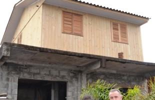 Secretaria da Habitação entrega nova moradia para família em vulnerabilidade social