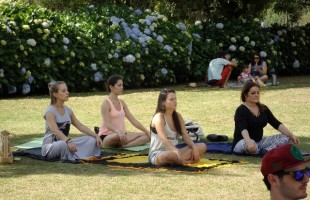 Centro Satyadhara abre inscrições para projeto Yoga para Todos