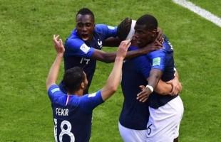 França vence a Austrália por 1×0. Pelo juiz ficaria 0x0.