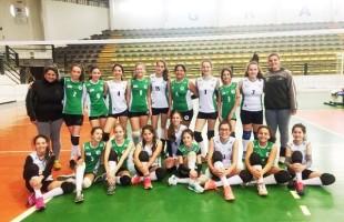 Atletas do Recreio da Juventude, de Caxias do Sul, conquistaram premiações no Circuito da Serra de Voleibol Mirim Feminino