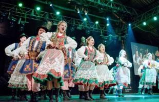 Festival Internacional de Folclore de Nova Prata reúne arte, gastronomia, artesanato e literatura