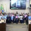 Estudantes da Escola Municipal Érico Cavinato realizam visita guiada no Legislativo caxiense