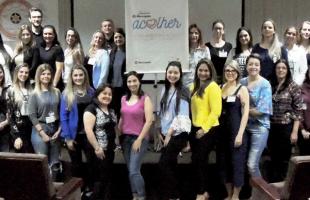Fundação Marcopolo lança programa de atendimento psicológico para jovens  institucionalizados