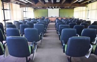 Sala das Comissões Vereadora Geni Peteffi recebe reformas para aumentar capacidade de público