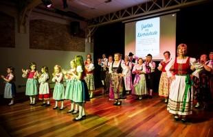 Projeto Juntos na Diversidade entrega troféus a entidades participantes da terceira edição