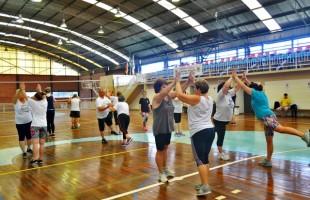 Smel dá início a atividades de ginástica e câmbio no Enxutão