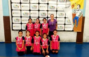 Escola Municipal Machado de Assis é campeã do Mini Feminino nos Jogos Escolares de Futsal