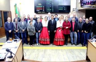 Comitiva da Festa do Pescador de Arroio do Sal faz convite à comunidade