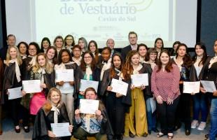 Banco do Vestuário realiza formatura dos cursos de Corte e Costura e Modelagem