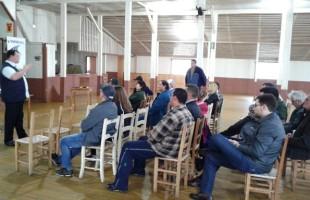 Reunião Técnica reúne apicultores dos Campos de Cima da Serra para tratar do manejo das colmeias