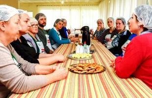 Arte de Empreender promove curso de Biscoitos e Salgados em Vila Cristina