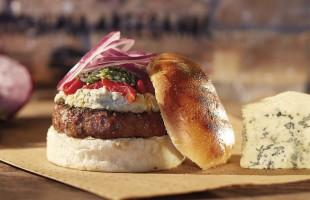 Na culinária, Hambúrguer com pesto de rúcula e creme de gorgonzola