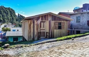 Secretaria da Habitação entrega casas no bairro Diamantino e loteamento São Gabriel