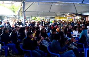 35ª Feira do Livro de Caxias do Sul atrai mais de 142 mil visitantes desde sua abertura, segundo os organizadores