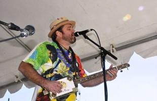 Músico Chris Gill se apresenta hoje no Iguatemi Caxias