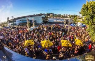 Acadêmicos do Luizinho realiza quarto Carnaval de Rua em Caxias do Sul