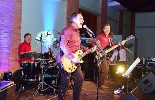 Música | Pop rock da banda Os Blugs encerra a programação do Festival de Verão