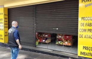Desrespeito ao decreto   SMU e BM interditam oito bares na noite do dia 31/03