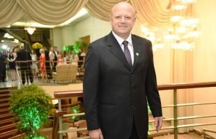 Presidente executivo do Recreio da Juventude entrega pedido ao governador e prefeito para reavaliar a classificação de Caxias do Sul