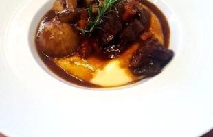 Culinária | Boeuf á l'ancienne: o nome é difícil, o sabor maravilhoso