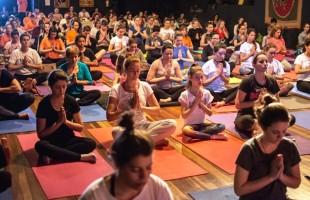 YOGA PELA PAZ comemora o Dia Internacional do Yoga