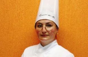 Festival de Gastronomia Senac: chef gaúcha ensina a preparar um cheesecake espelhado com frutas amarelas