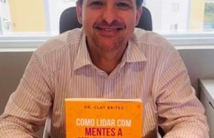 Neurologista infantil com TDAH lança livro sobre o tema