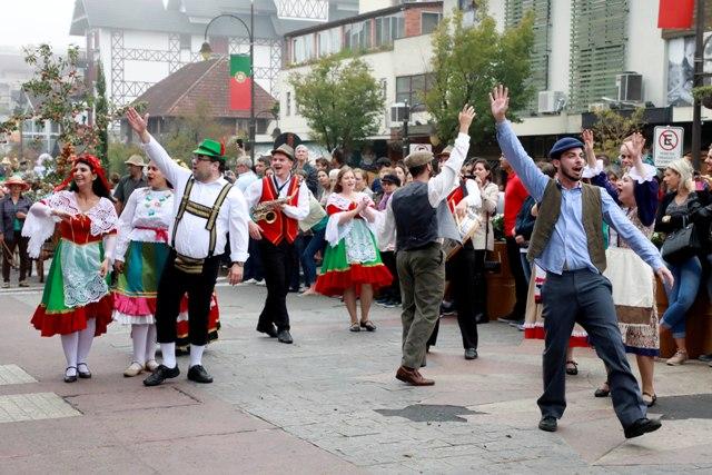 05_05_2018_28FestadaColonia_Desfile de Carretas. Foto Cleiton Thiele/SerraPress